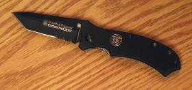 Smith and Wesson cutlery